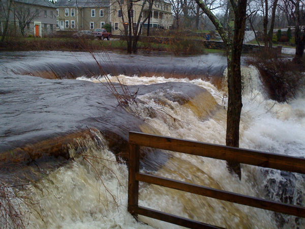 2010 Flood at Horseshoe Falls